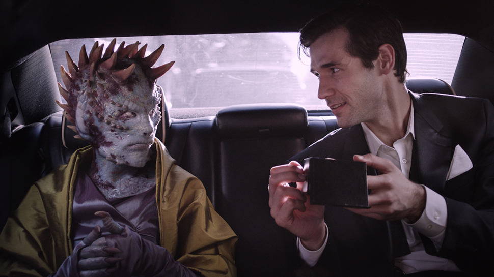 A Reptilian Alien Thief Juggles Two Partners in Crime in This Sci-Fi Short Film | Nerdist